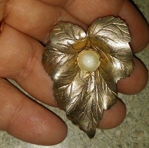 Vintage Sarah Coventry Pin Brooch